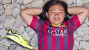 Leanna avec la chaussure de Neymar / FCB