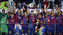 Xavi lifts the European Cup on 6 June 2015 in Berlin, Germany. / MIGUEL RUIZ-FCB