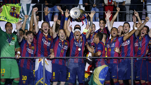 The team enjoy the Champions League victory last season / MIGUEL RUIZ-FCB