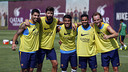 L'equip guanyador del partidet final de l'entrenament matinal / MIGUEL RUIZ - FCB