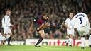 Rivaldo, en una acció del partit de quarts de la UCL el 2000 / ARXIU-FCB