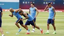 From left, Mascherano, Alves, Messi and Neymar, go through their first workout of the 2015/16 preseason. / MIGUEL RUIZ-FCB