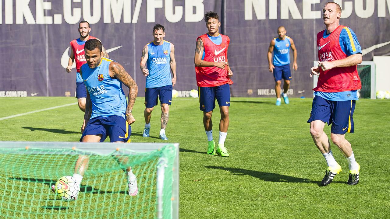 Entrenament a la Ciutat Esportiva dels no convocats / VÍCTOR SALGADO - FCB
