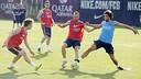 Iniesta, Sergi Roberto and Halilovic in training / MIGUEL RUIZ-FCB