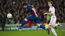 Leo Messi chases down the ball against Bayer Leverkusen in 2011/12. / MIGUEL RUIZ - FCB