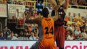 Ante Tomic posts up in Sunday's game at Fuenlabrada. / Amador-Baloncesto Fuenlabrada