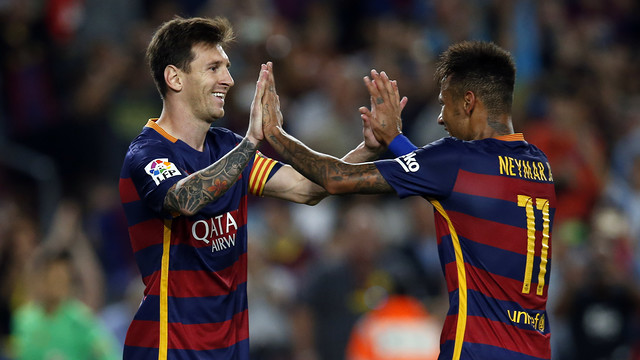 Neymar and Messi celebrate one of Barça's goals against Levante. / MIGUEL RUIZ - FCB