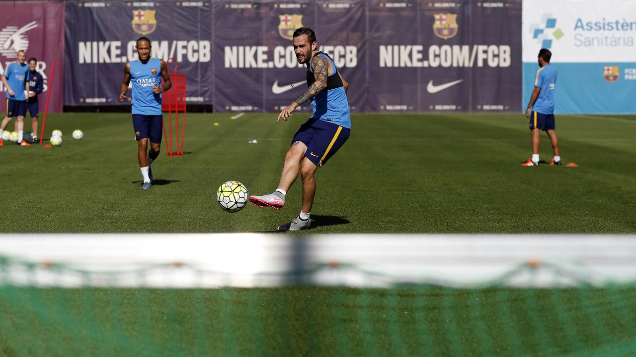 Aleix Vidal and Neymar train on Wednesday morning / MIGUEL RUIZ - FCB