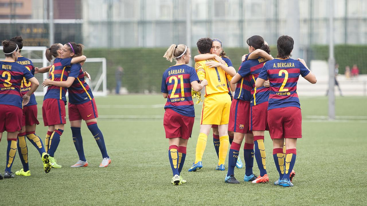 Les noies del Femení celebrant un gol marcat al València / VÍCTOR SALGADO - FCB