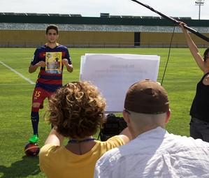 Marc Bartra durant la gravació del vídeo.