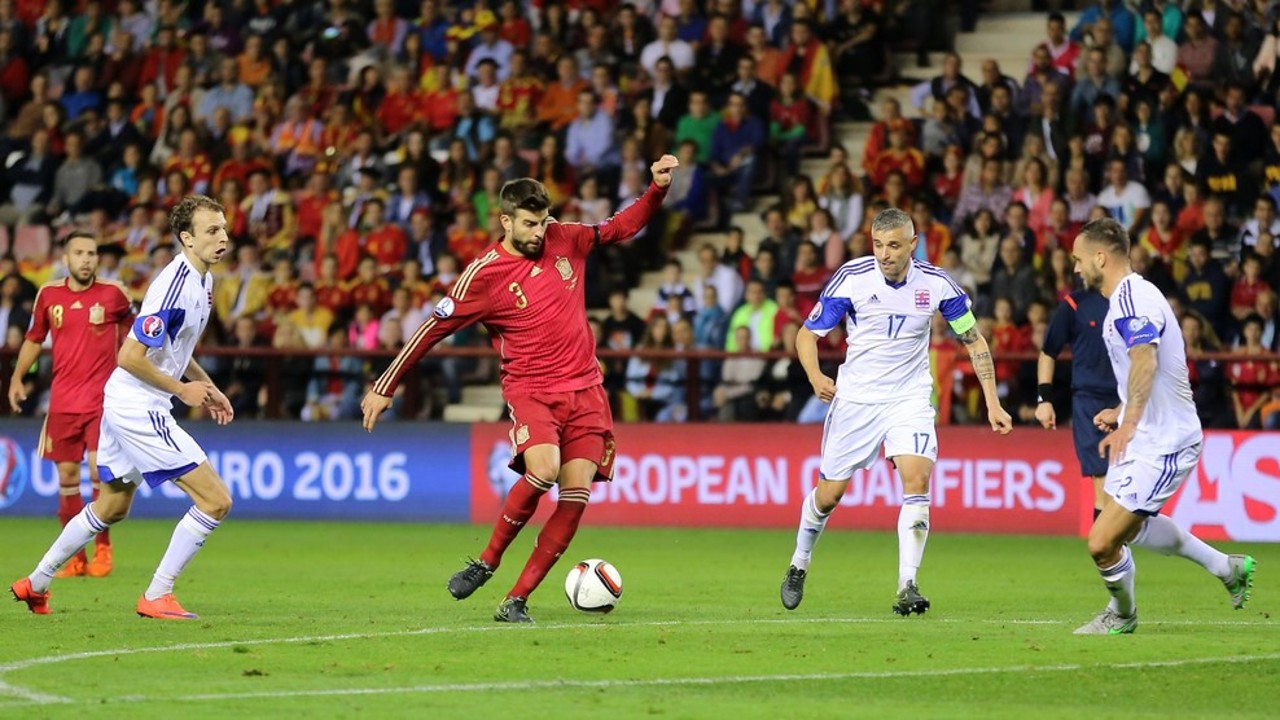 Piqué features in a comfortable win against Luxembourg / UEFA.COM