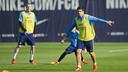 Luis Suárez et Mathieu, pendant un entrainement / VICTOR SALGADO - FCB