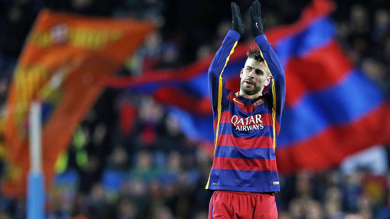 Gerard Piqué va marxar ovacionat del Camp Nou / MIGUEL RUIZ - FCB