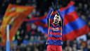 Gerard Piqué leaves the field to an ovation at Camp Nou / MIGUEL RUIZ - FCB