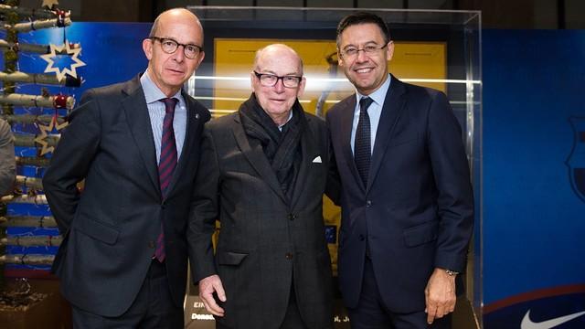 Michael Witty with Josep Maria Bartomeu and Jordi Cardoner at Camp Nou / GERMÁN PARGA-FCB