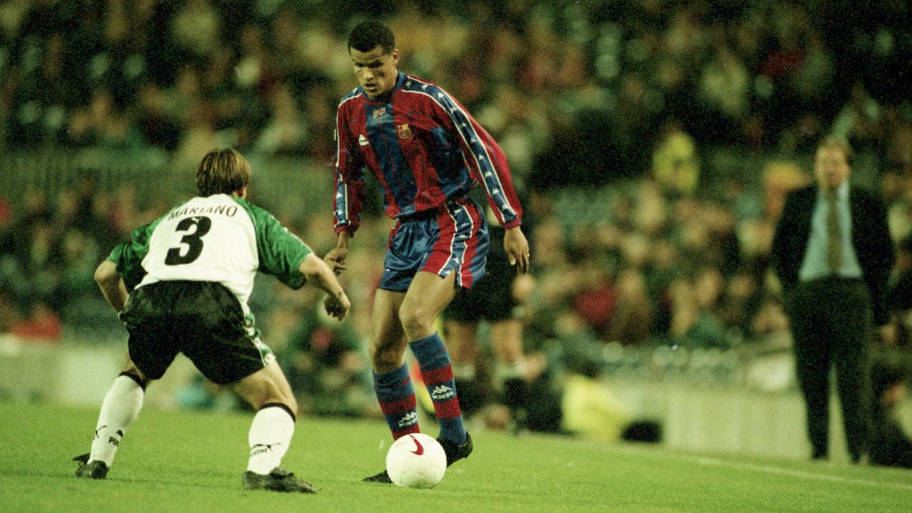 Rivaldo durante un partido contra el Mérida la temporada 1997/98 en el Camp Nou / ARCHIVO FCB