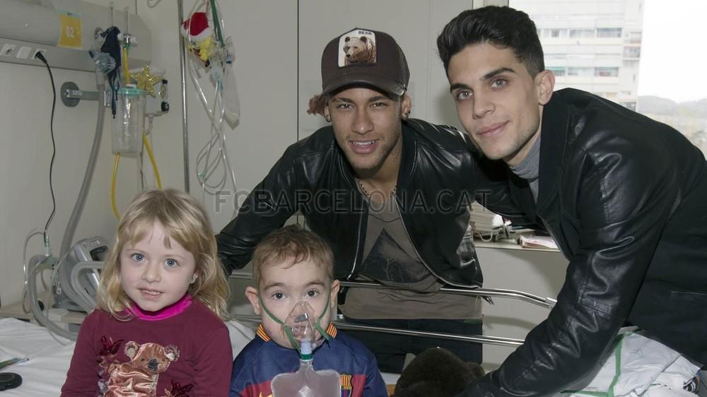 نیمار و بازیکنان بارسلونا به دیدار کودکان بیمار رفتند