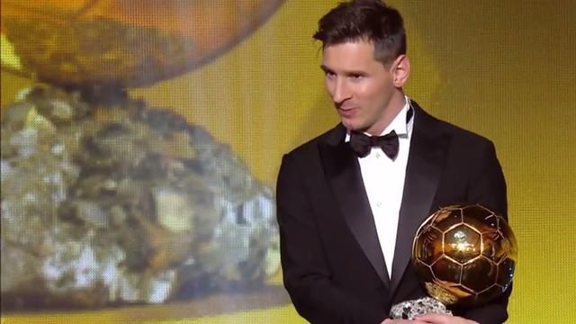 Leo Messi remporte son cinquième Ballon d'Or FIFA