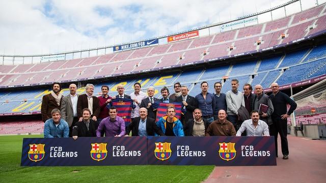 Representantes del FC Barcelona y de la Agrupación Barça Jugadores, durante la presentación del proyecto.