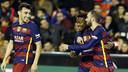 Kaptoum celebrates his goal with Aleix Vidal and Munir / MIGUEL RUIZ - FCB