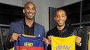 Kobe Bryant et Thierry Henry ont échangé leur maillot / NBA