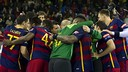 Els jugadors del Barça Lassa celebren el triomf al final del partit / VÍCTOR SALGADO - FCB