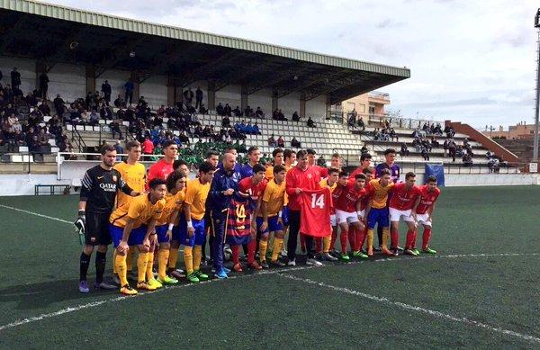 L'homenatge a Cruyff de la Damm i el Barça Juvenil / CF DAMM