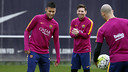 Neymar, Mascherano and Messi, at this morning's workout. / MIGUEL RUIZ - FCB