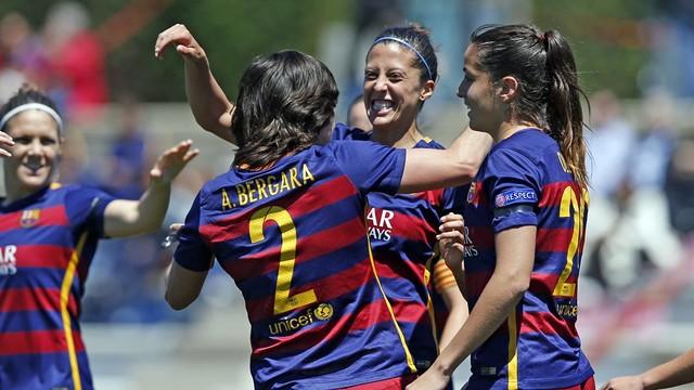 El Barça Femenino celebra uno de los goles conseguidos en el derbi / MIGUEL RUIZ - FCB