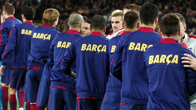 Barça is omnipresent, appearing everywhere from fans' blogs all the way to the players' backs. / MIGUEL RUIZ-FCB