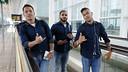 Els brasilers Adriano, Douglas i Neymar Jr, abans de sortir cap a Granada / MIGUEL RUIZ - FCB