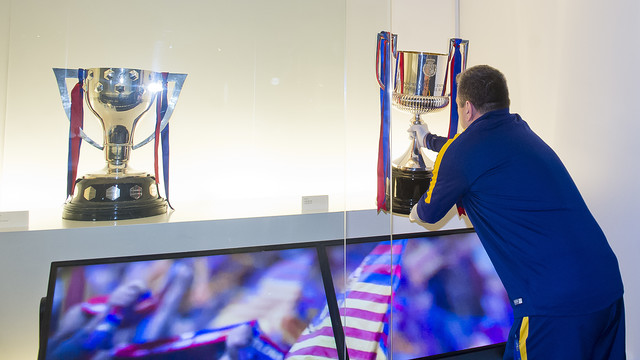 The La Liga trophy (left), and the Copa del Rey reach their new home in the Club Museum. / FCB