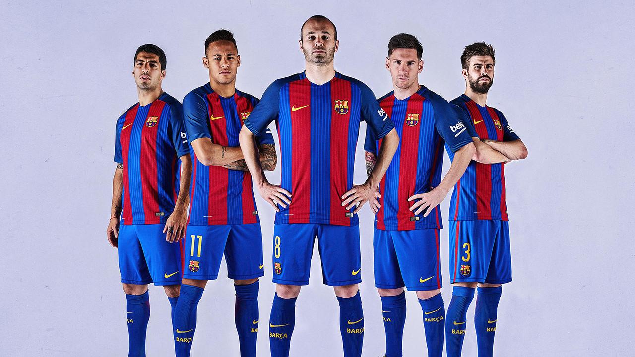 La camiseta oficial del primer equipo del FC Barcelona de la temporada 2016/17