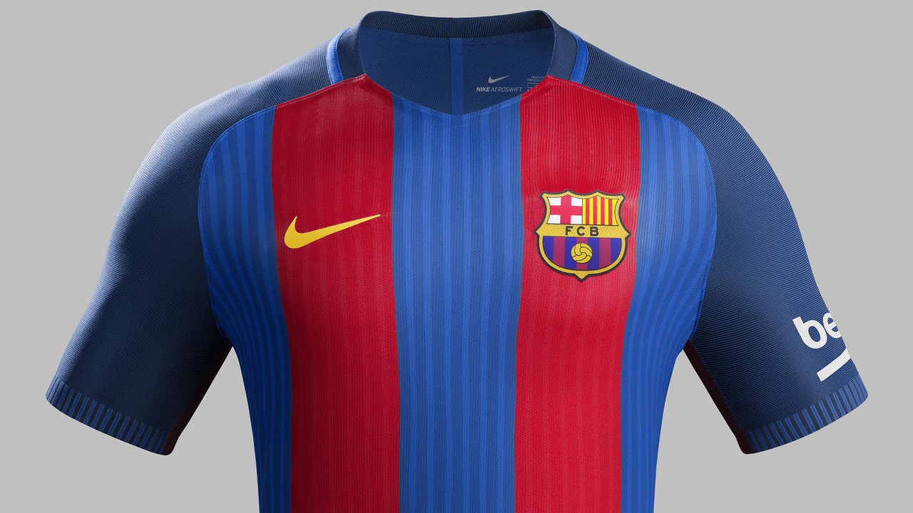 O novo uniforme volta a ter as faixas verticais / FCB
