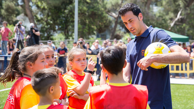 Sergio Busquets, at the 'Cruyff Court' inauguration in Badia del Vallès / GERMÁN PARGA - FCB